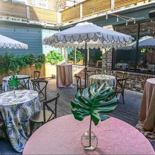 Poogan's Courtyard (Outdoor Courtyard)