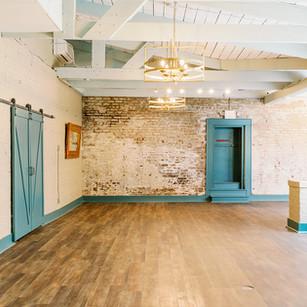 Poogan's Courtyard (Interior 3)