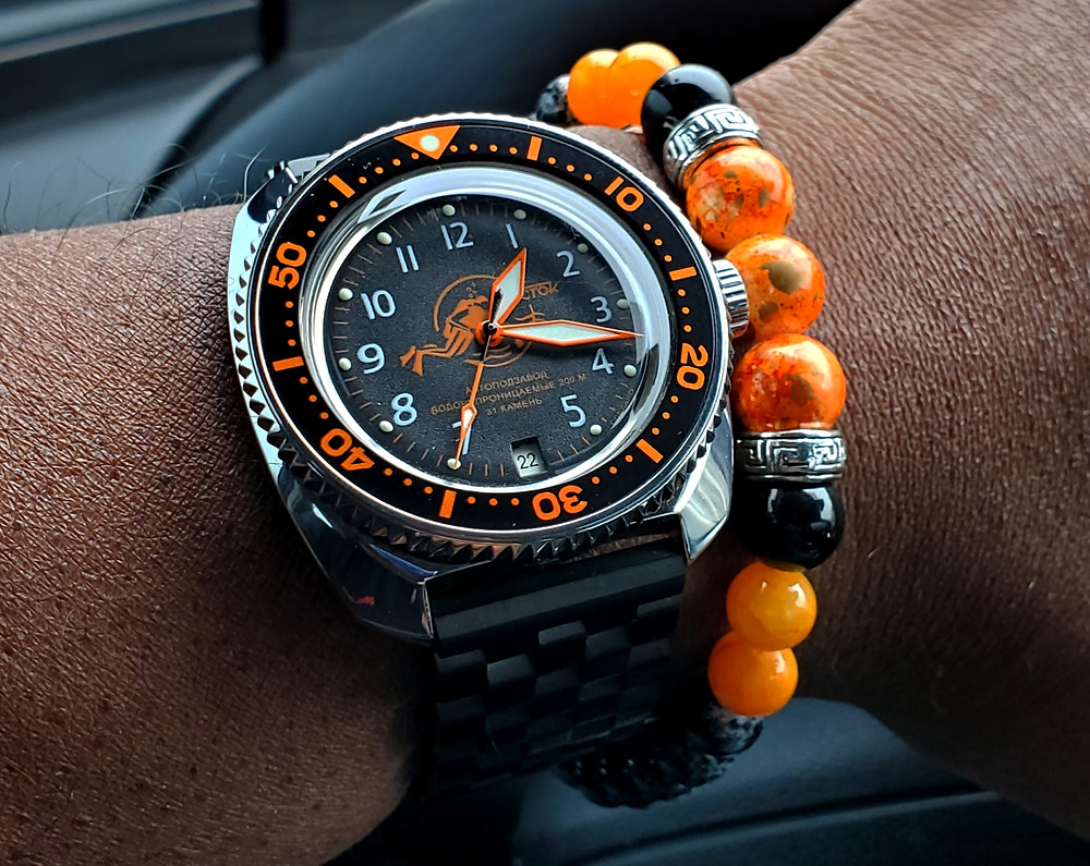 WOTD wrist-shot of the Boctok, Amphibian - custom mod, paired with custom, color-matched beaded bracelet.
