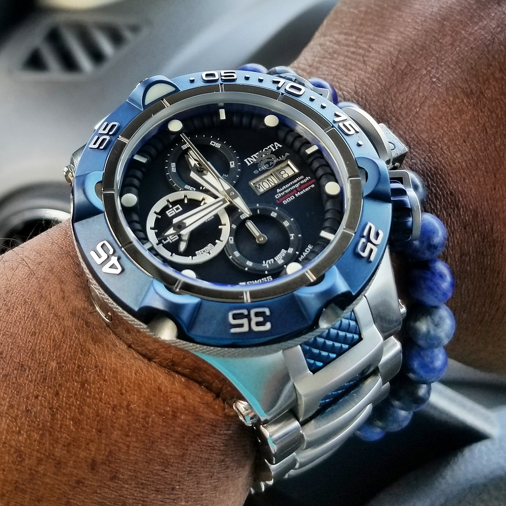 WOTD wrist-shot of the Invicta, SubAqua Noma V, Limited Edition.  Paired with a minimalist, Sodalite, beaded bracelet, designed by Aurum Brothers.