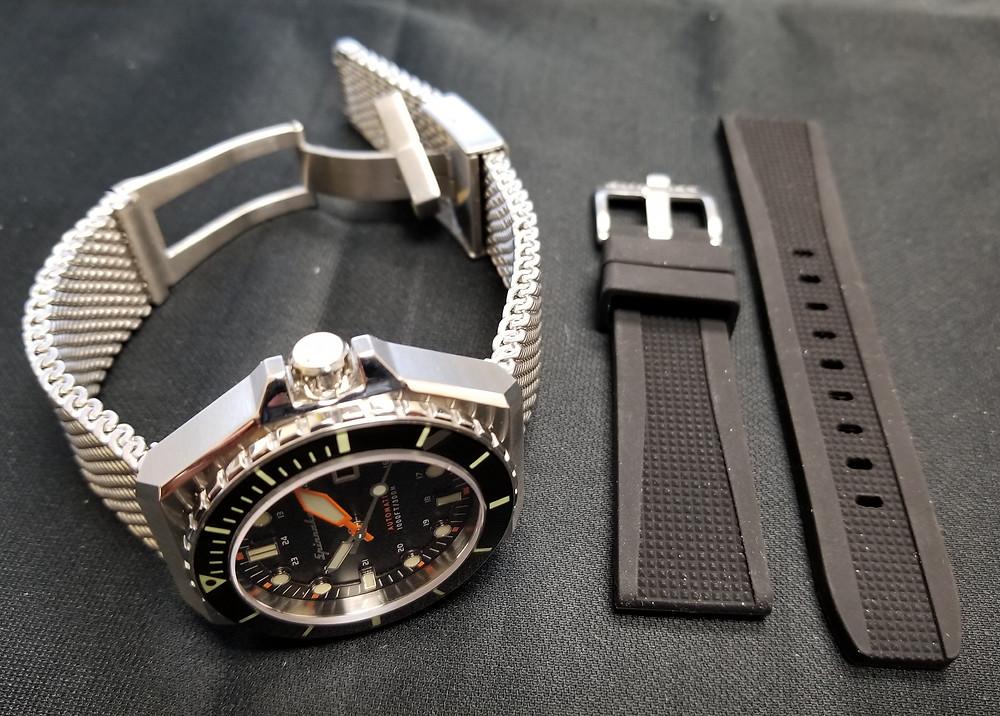 Spinnaker Dumas on Milanese Mesh bracelet, showing optional rubber strap.