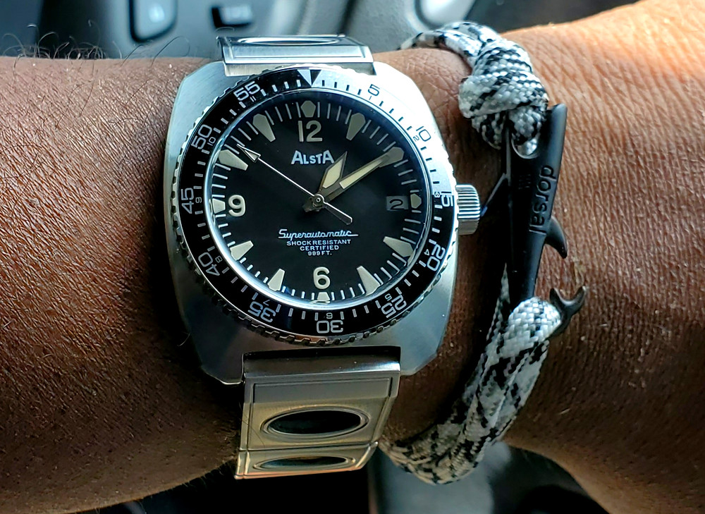WOTD wrist-shot of the Alsta Superautomatic.  Paired with a Shark rope bracelet, designed by Dorsal Bracelet Company.
