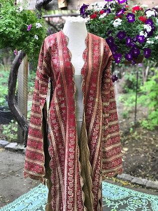Antique Silk Throbe