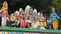 פסלים בהודו משפחת האלים