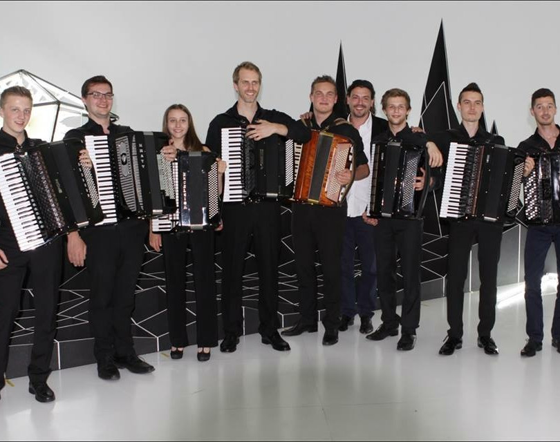 Akkordeonklasse Goran Kovacevic (VLK) nach einem Konzert im Juni 2015