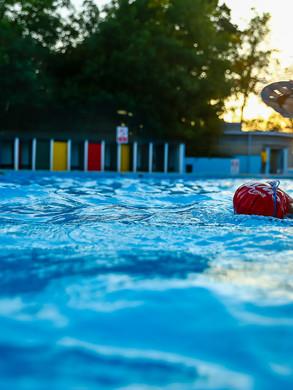 Tooting Bec Lido SwimRun Swimmer.jpg