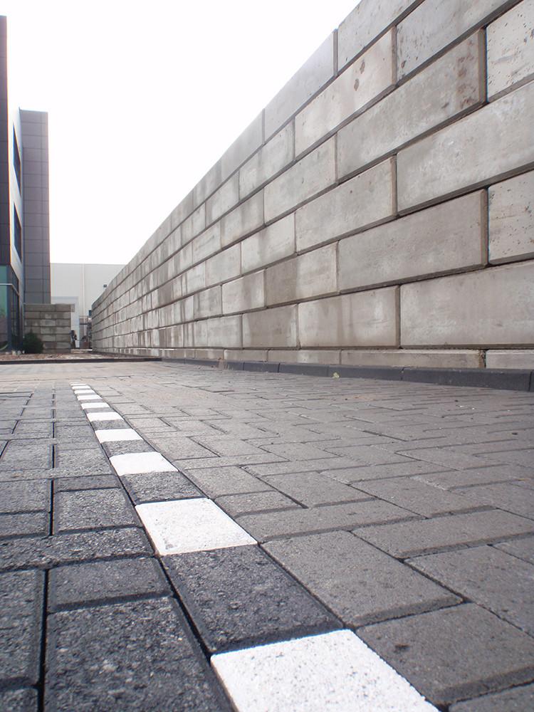 Stapelblok-muur.jpg