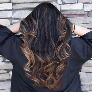 Lightened up this beauties hair with some caramel highlights! •_•_•_•__#haircolor #balayage #babylights #santaclarita #hairstyles #661hair #