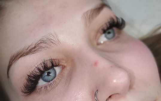 Lash Extensions by Candace