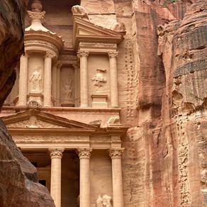 Guide to Petra, the Nabatean Treasure