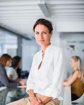 Profesjonalne Kobieta Siedzi