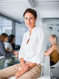 Profesyonel Kadın Oturan