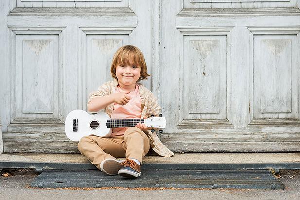 Gitarrenwissen für Piano und Ukulele nutzen