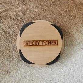 Sticky Tunes Schallloch Deko Cover Rückseite mit Abdeckung
