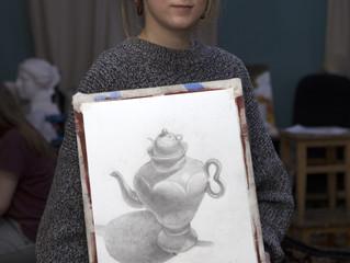 Надя осваивает искусство портрета. Для себя. Для души.