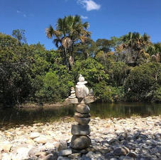 As pedras são um convite para brincar e relaxar