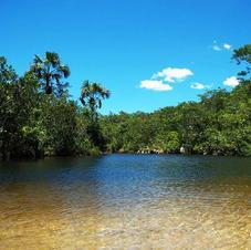 Rio São Bartolomeu dentro da propriedade - acesso pela prainha de areia