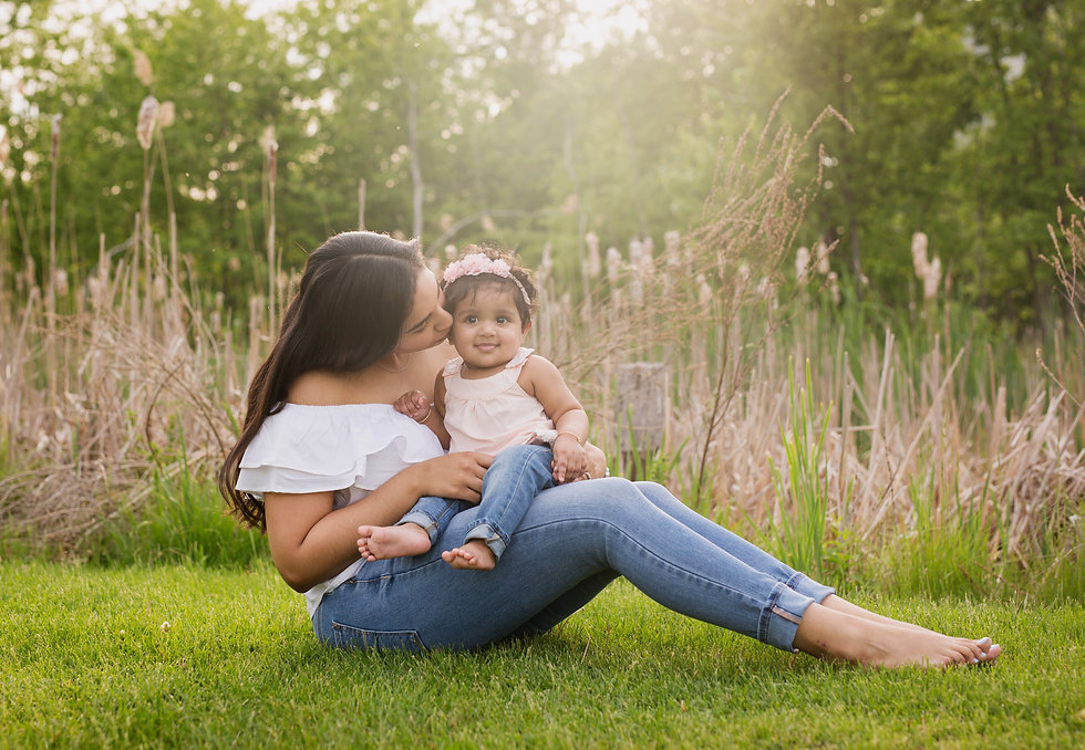 Outdoor Mommy and Me Pictures