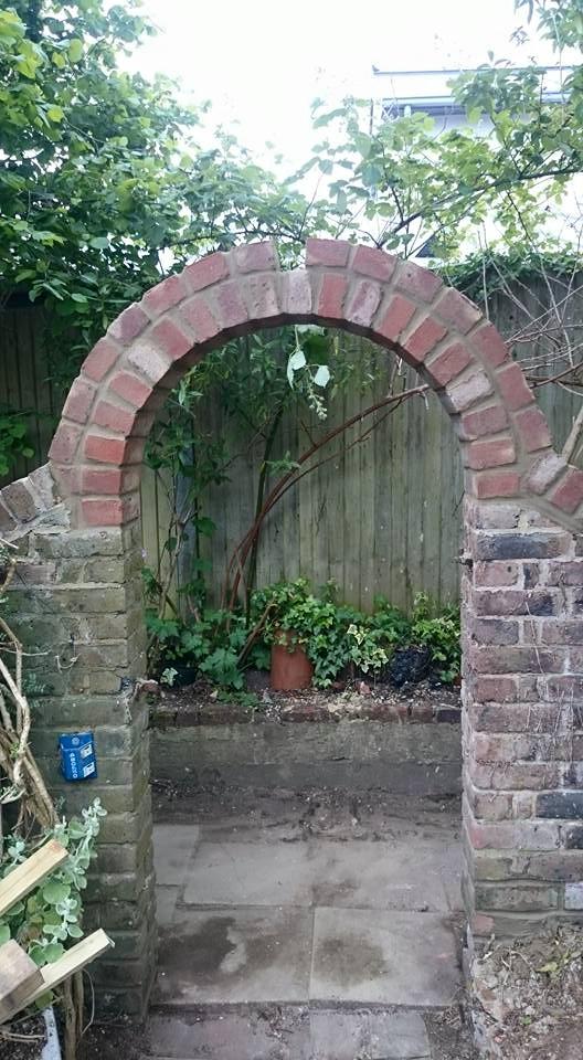 Brick archway repair construction
