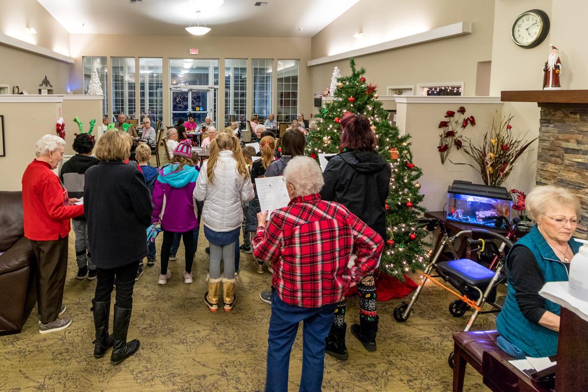 Kids-Caroling-at-Amber-Hills.jpg