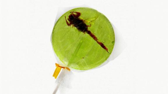 Sucette scorpions pomme
