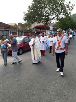 Procissão e coroação de Nossa Senhora