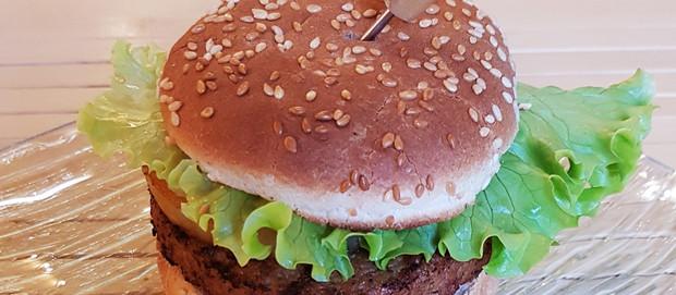 De la page au plat : Hamburger façon hawaïenne