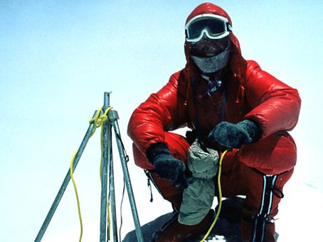 How difficult is it to climb Everest without oxygen?
