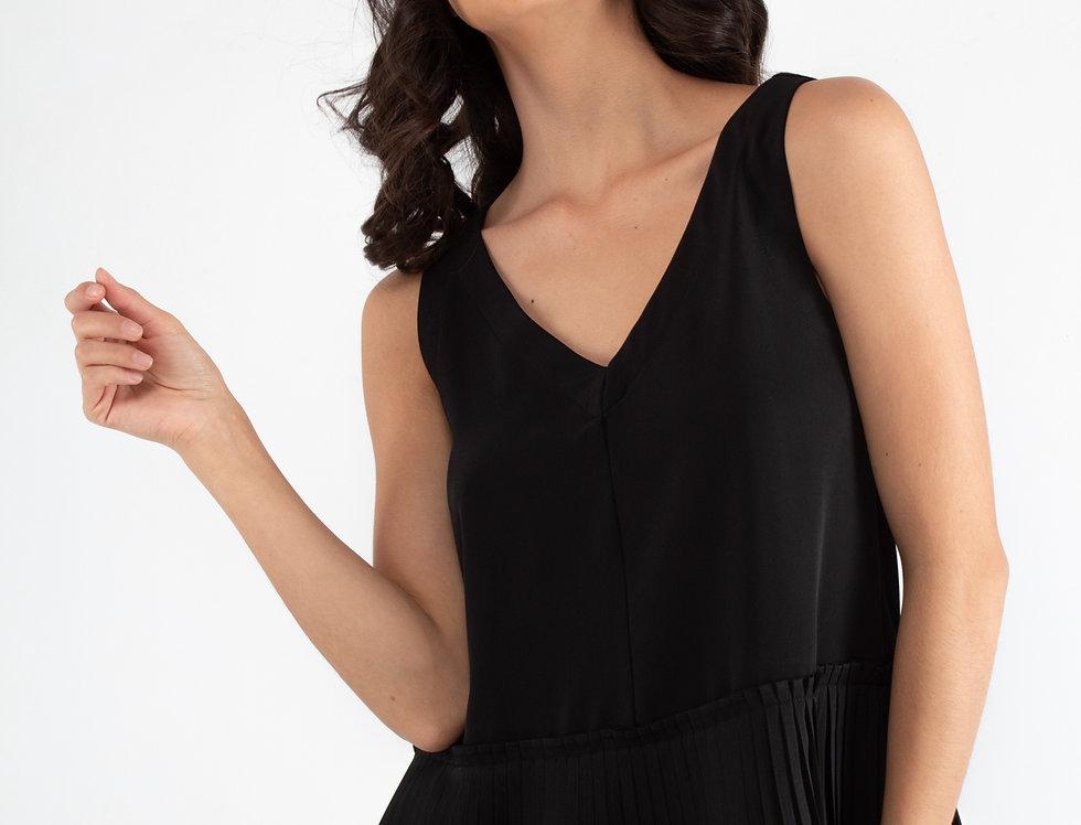 Blusa negra con plisado