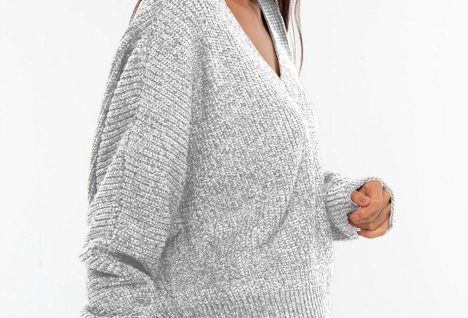 Suéter aterciopelado cuello V