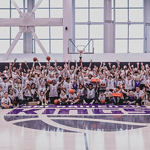 De'Aaron Fox Mother's Day Clinic