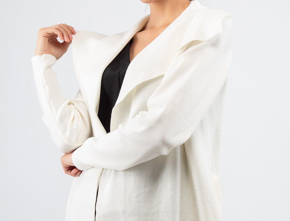 Suéter largo cruzado con cinto