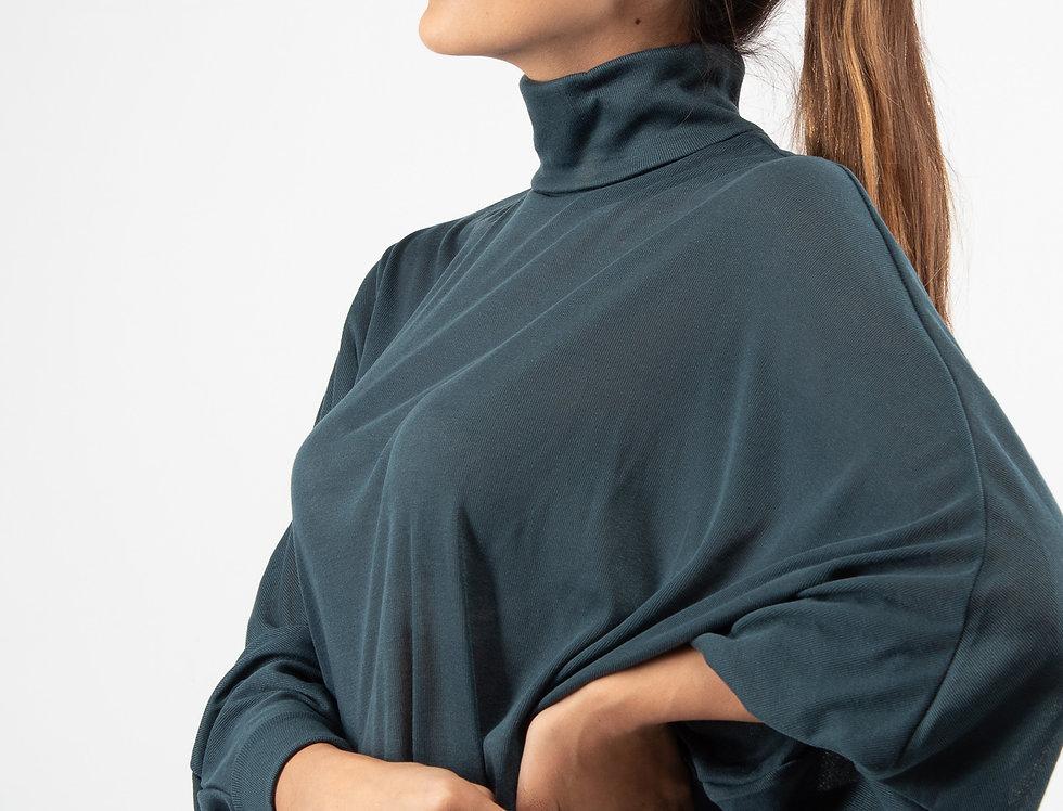 Blusa ligera oversize cuello alto