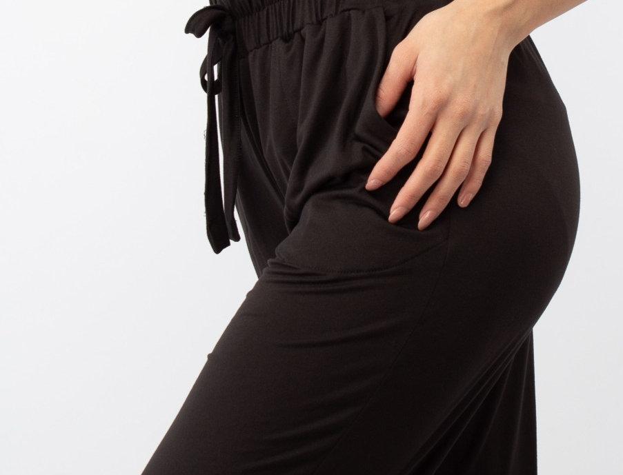 Pantalón relajado negro