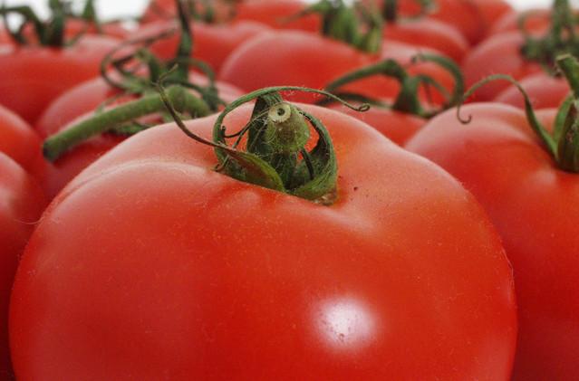 tomato-2-1533069-639x510.jpg