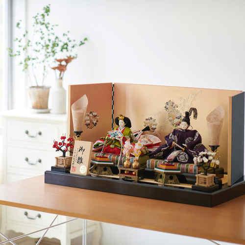 雛人形 正絹西陣織有職文様 金彩蒔絵屏風