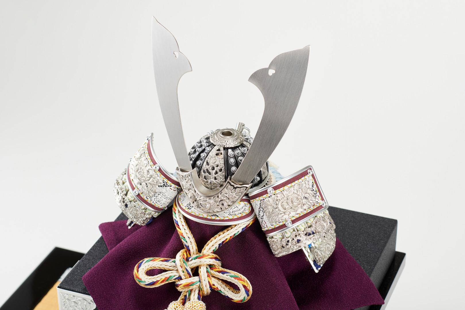 五月人形 兜 プラチナ箔 銀金具