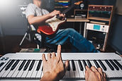 Hot Tips for Generating Powerful Song Ideas on CreativeSongwriter.com
