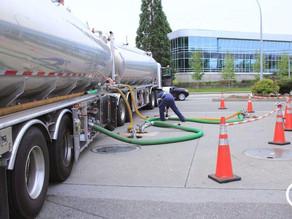 Mantida justa causa de empregado de distribuidora de combustíveis que descarregou gasolina em tanque