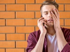 Operadora de telefonia deve indenizar cliente por importunação e cobrança indevida