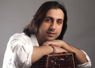 Musical Healing Touch for Kashmir by SaMaPa!