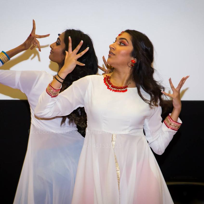 Rani & Vrinda performing Kathak