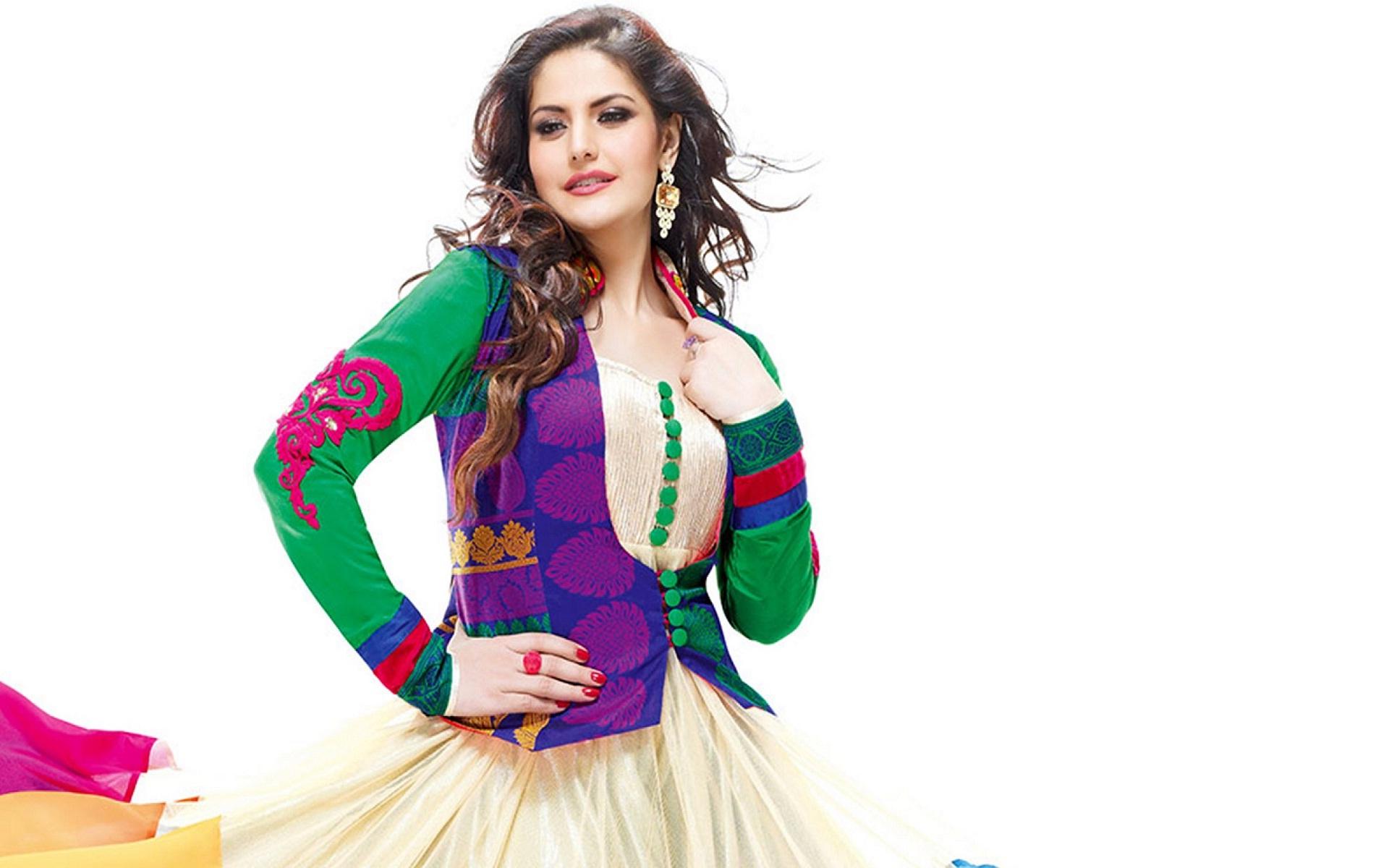 Zareen-Khan-stunning-actress