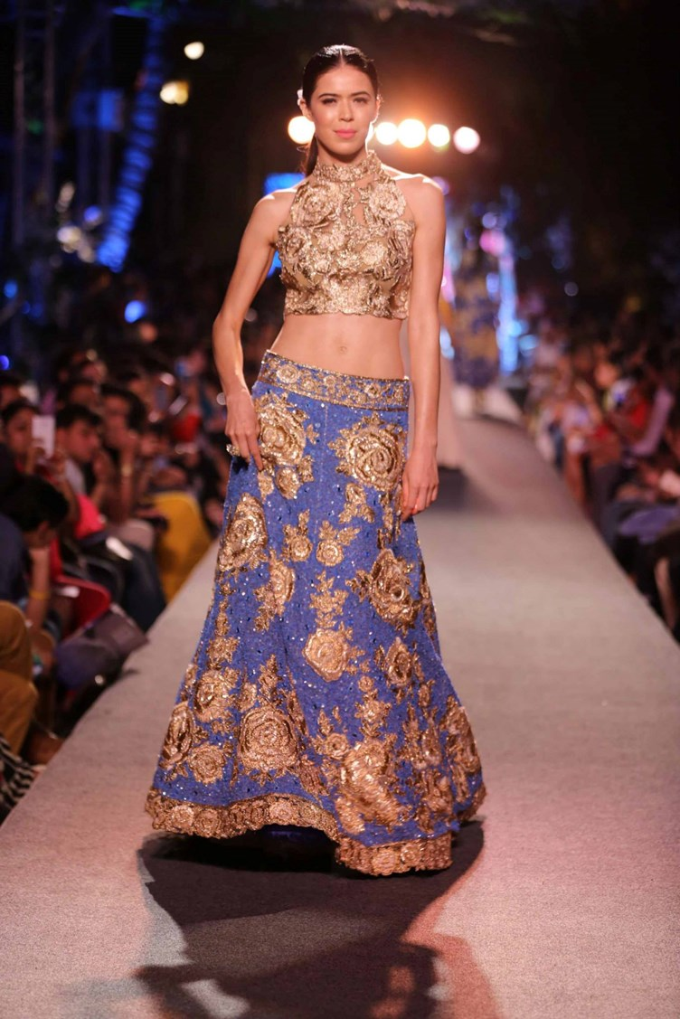 manish-malhotra-lakme-fashion-week2015-27