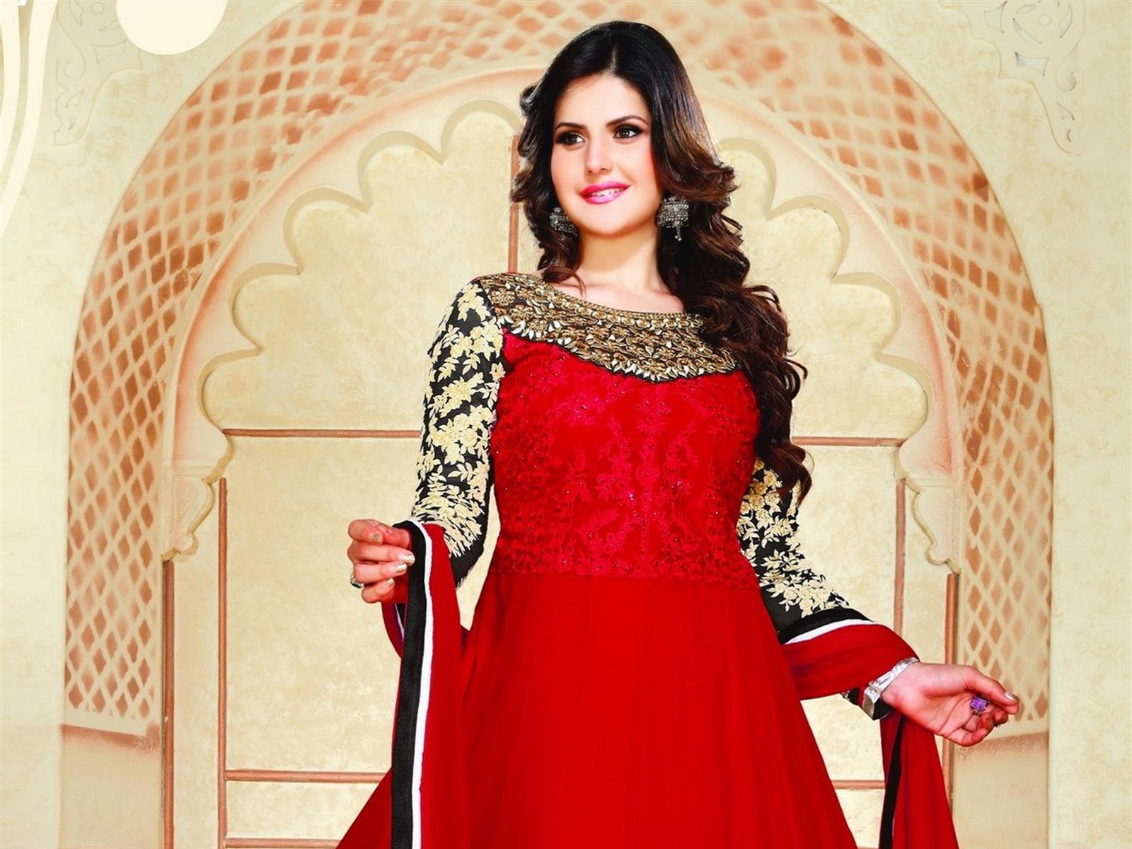 Hot-Zareen-Khan-in-red-exclusive-dress