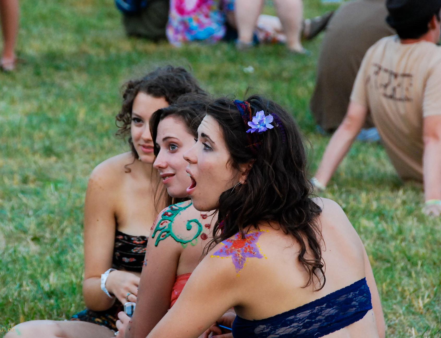 festival girls