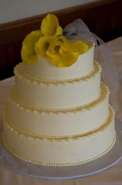 Yellow Calla Cake