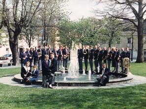 Der MusikvereinimJahr 1989 am alten Maxplatz-Springbrunnen