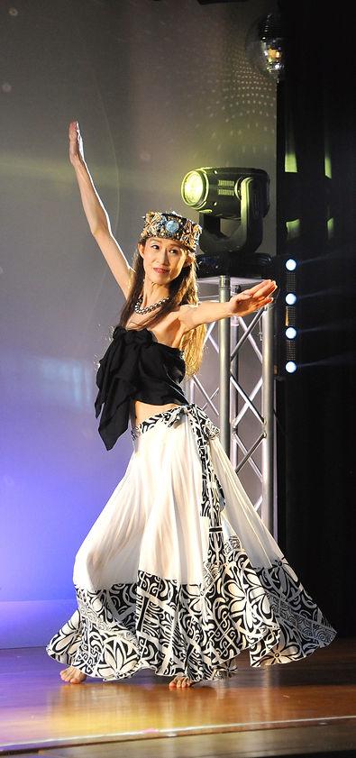奈美江プロフィール タヒチ.JPG