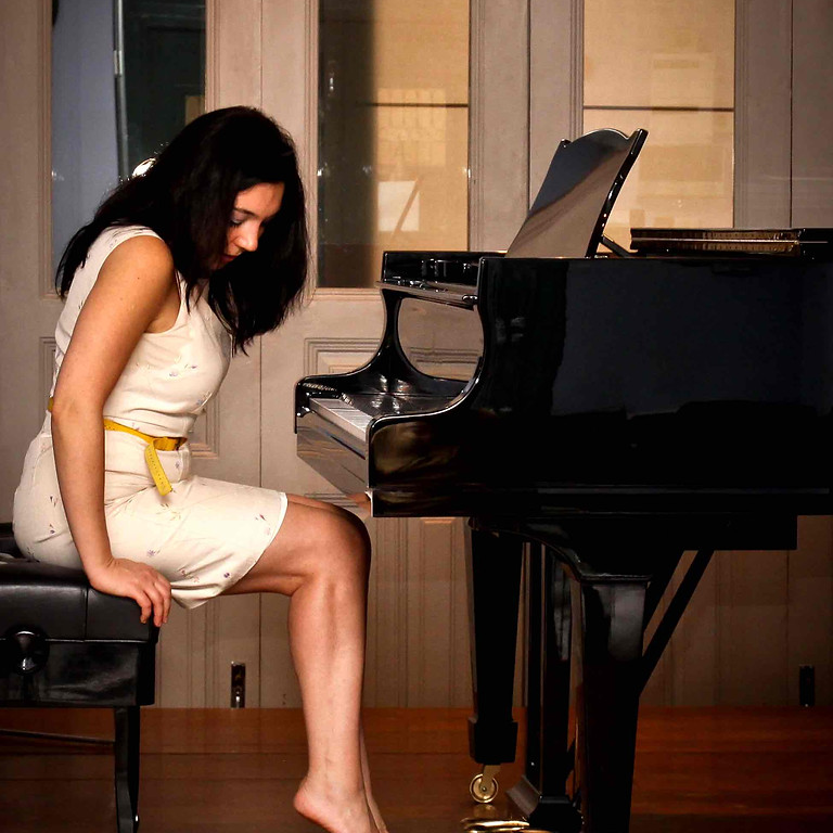 Piano-Yoga® Club: 'How to play your best on an unfamiliar piano in a public setting'